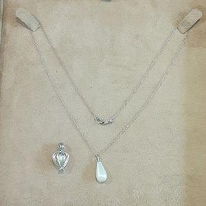 Jewelry - Pearl pendants 925 chain